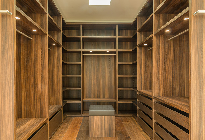 der passgenaue innenausbau in perfekter ausf hrung. Black Bedroom Furniture Sets. Home Design Ideas